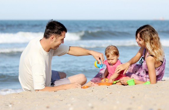 Familie am Strand Insel Poel